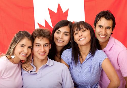 Định cư Canada diện đoàn tụ gia đình