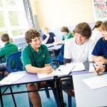 Những khó khăn của du học sinh khi học nhóm
