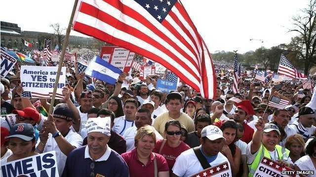 Lịch chiếu kháng di dân visa Mỹ tháng 8/2018