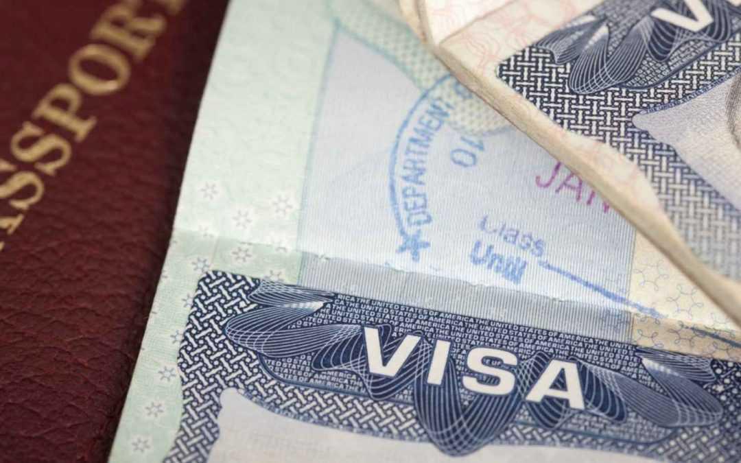USCIS tiếp tục chế độ xử lý cao cấp đối với một số loại người nộp đơn xin visa H-1B
