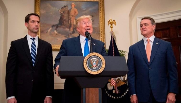 Tổng thống Trump ủng hộ đề xuất hạn chế nhập cư lao động phổ thông