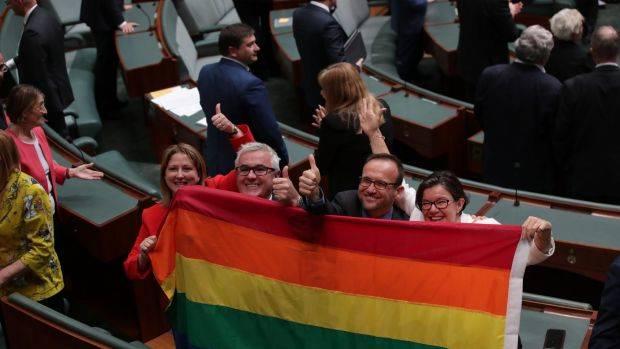 Australia chính thức hợp pháp hóa nhôn nhân đồng giới