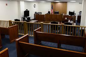 Nhân viên điều hành hãng hàng không đã bị kết án tù vì gian lận di trú Mỹ